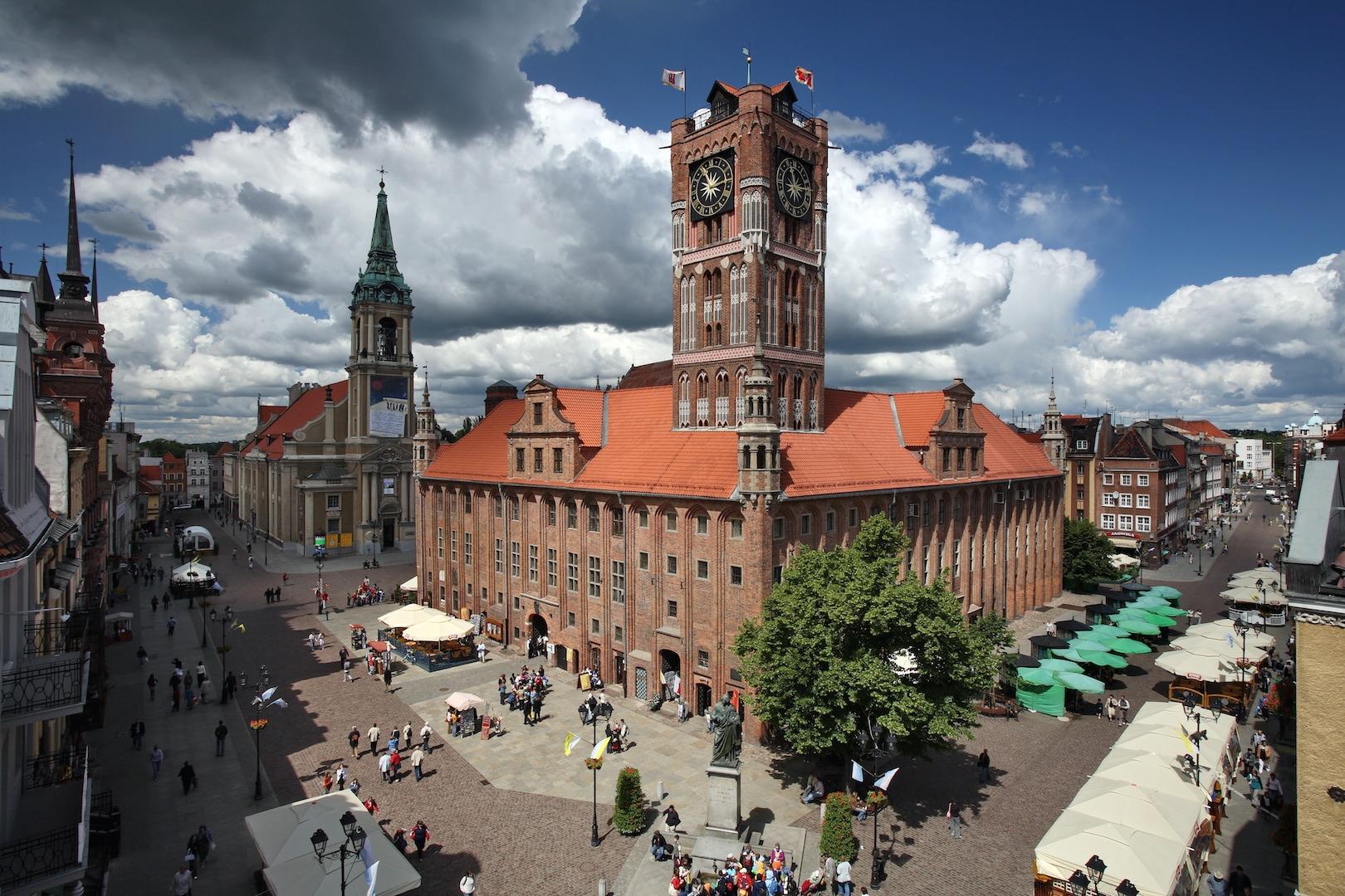 Poznan Torun Tour - day trip to polish City of Angles